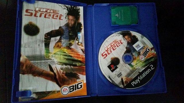 Videojuego fifa street ps2 con caja y memory card