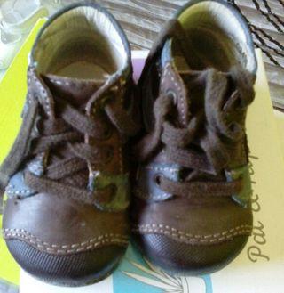 Botas de piel para niño