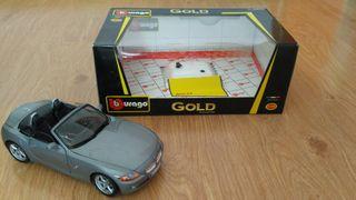 Coche de colección BMW Z4 Burago Gold escala 1:18