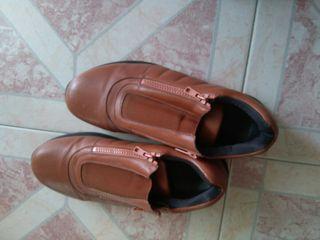 Zapatos morrones claros