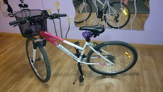 Bicicleta ciudad montaña.