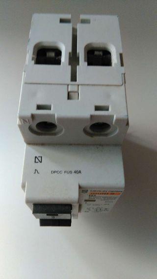 Interruptor diferencial electrico