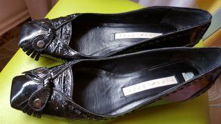 Zapatos Manoletinas de piel Pura López