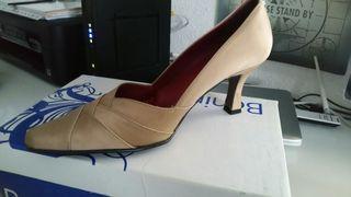 Zapatos de salón clásico