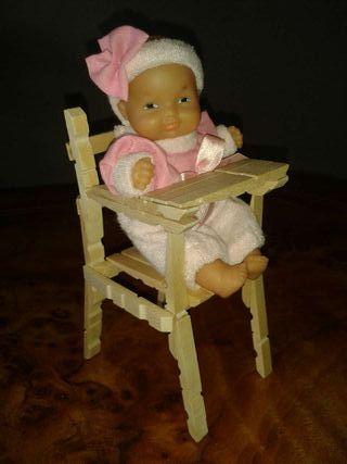 Trona muñeca