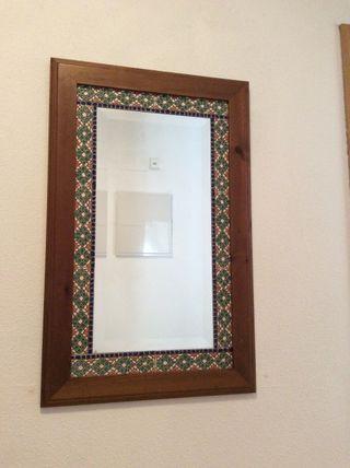Espejo De Madera Y Cerámica.Rebajado