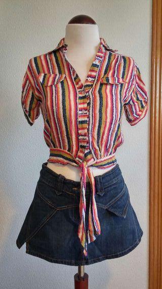 Falda vaquera y blusa