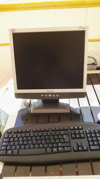 monitor de ordenador mas teclado
