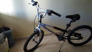 Bicicleta monty 105