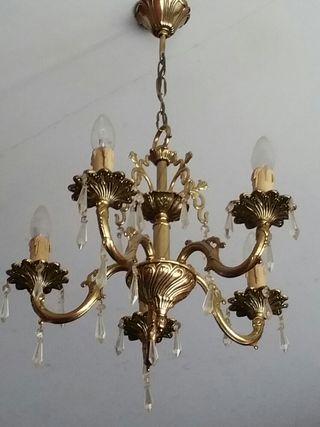 Lámpara vintage de bronce con lagrimas