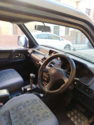 4x4 Mitsubishi Montero diesel automatico