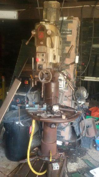Maquinas taller torno taladro pie automático