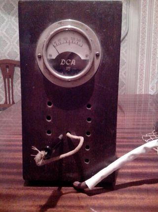 Antiguo transformador de electricidad