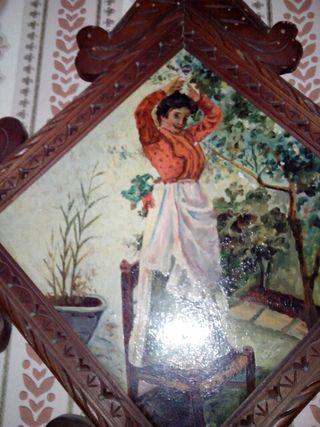 Azulejos s. XIX enmarcado madera mujer con pelota