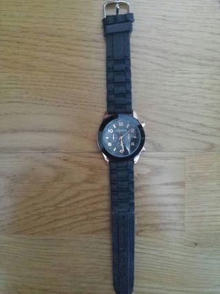 Reloj de silicona negro