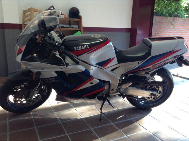 Yamaha Fzr 1100 Exup
