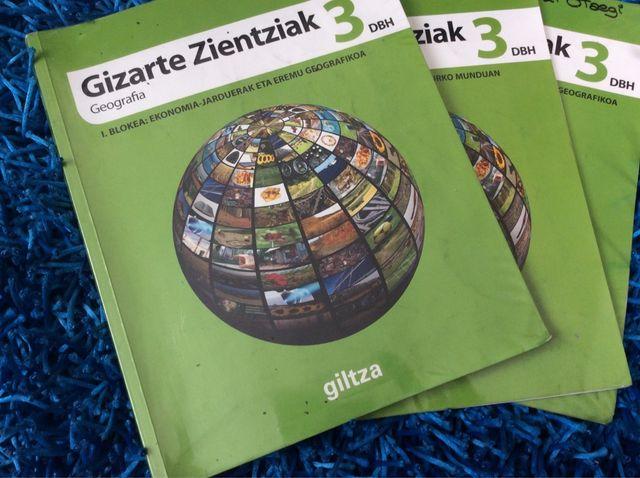 Libros de Gizarte Zinetziak 3 de ESO