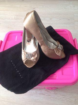 Zapatos de tacón de Raso