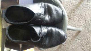 Zapatos de verano.de piel auténtica, negros,Zara,