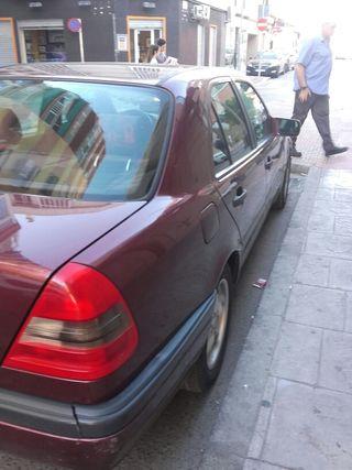 Mercedes 220 gasolina