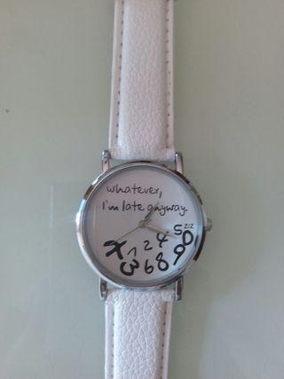 Reloj desordenado nuevo