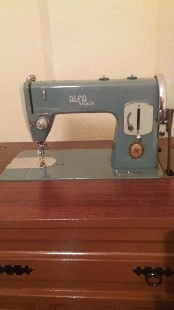 Maquina de coser antigua de segunda mano por 60 € en