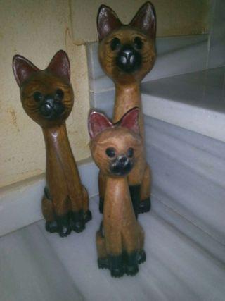 Gatos de madera