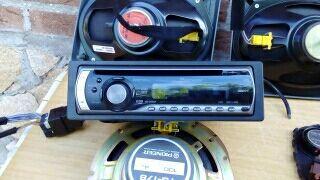 Radio Cd de coche PIONNER y 6 altavoces