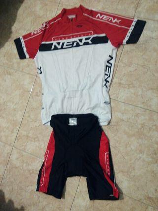 Conjunto de ciclismo Nenk de verano.