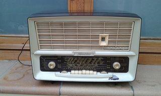 Antigua radio Schneider