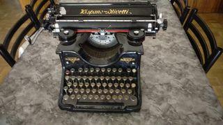Maquina de escribir antigua Hispano Olivetti