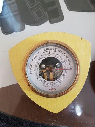 Barómetro antiguo