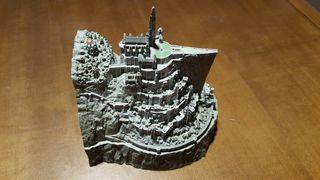 Escultura Minas Tirith de El Señor de los Anillos con compartimento secreto