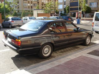 BMW 750ia CLÁSICO.