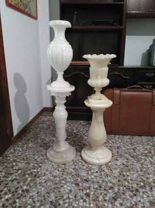 Jarrones de marmol con columna