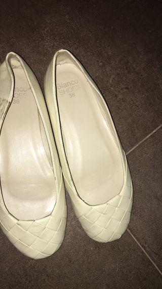 Manoletinas beige Blanco