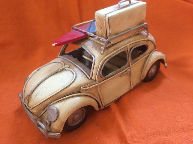 Decorativo coche metálico