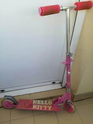 Patinete de Hello Kitty