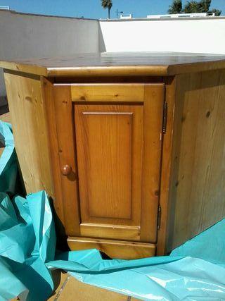 Rinconera muebles colono de segunda mano por 140 en sant for Wallapop lleida muebles