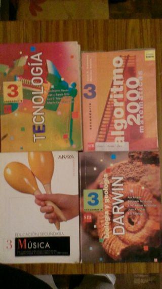 Libros de texto de 3,° y 4° de secundaria del año 2000...