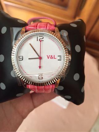 Reloj marca V&L