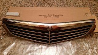 Parrilla Mercedes C w204 NUEVA y Original