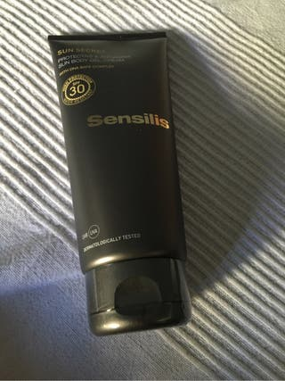 Protector solar corporal sensilis