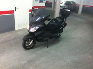 Moto Scooter (muy poco uso) IMPOLUTA