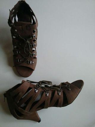 Zapatos nuevos 2x22€