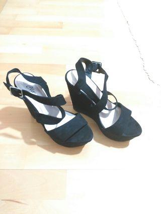 Zapatos altos negros