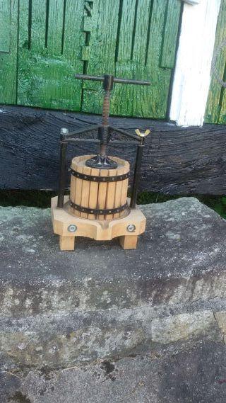 Prensa de madera Lagareta marca SANBRI