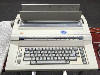Maquina de escribir CompacTA 400
