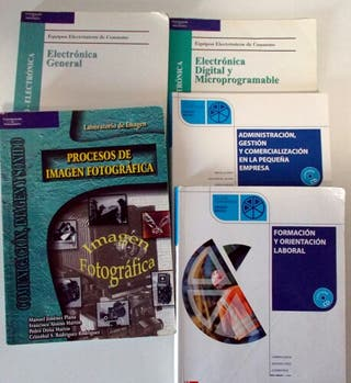 pack de 8 libros en valenciano de segunda mano por 10 en