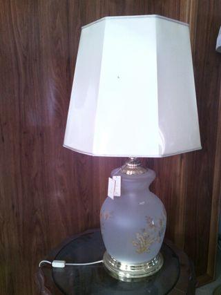 Mueble y lamparas